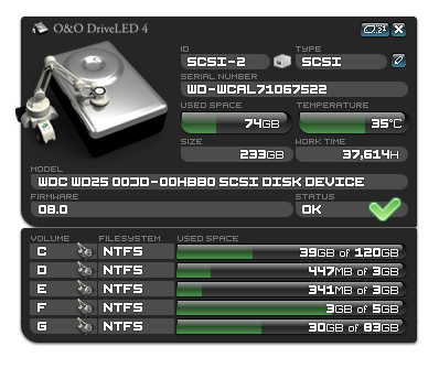 O&O DriveLED permanently monitors the status of the hard disks in the background